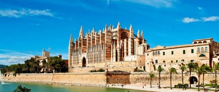 Reiserücktrittsversicherung für die Reise nach Spanien